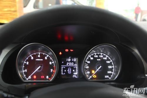 众泰t600仪表盘指示灯图解