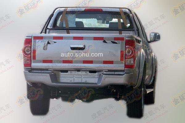 吉奥新款皮卡车型整车尺寸为5265/1835/1805mm,轴距则是3085