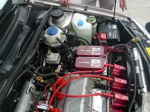 对汽车电路线的检查相对比较薄弱,夏天很经常发生汽车自燃想象,归根结