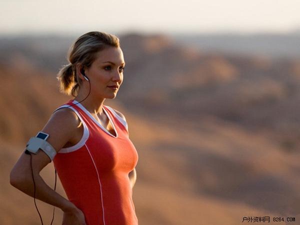 听歌跑步的正确姿势 实测运动耳机跑步感受